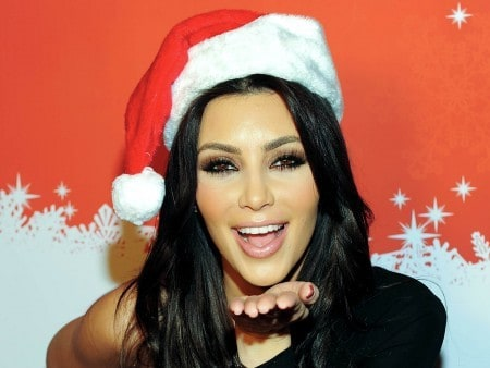 kim-kardashian-Christmas-Hat-HD-450x338